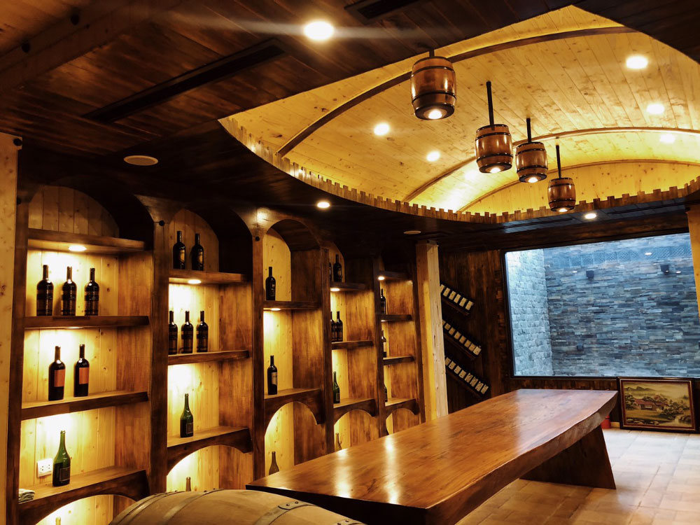 Hầm rượu vang được An Garden đầu tư để bạn có không gian thưởng thức những ly rượu vang sang trọng đẳng cấp