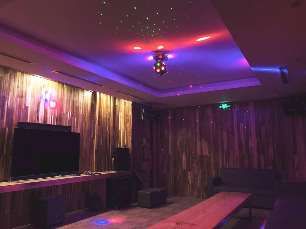 Không chỉ có rượu vang và không gian đẳng cấp, ở An Garden còn có phòng Karaoke cực Chill