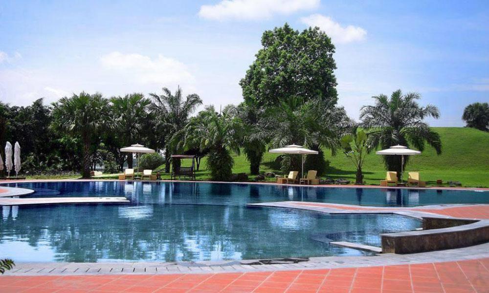 Thảo Viên Resort cũng có phòng xông hơi khô. Khách nghỉ tại resort có thể tham gia các hoạt động trong và xung quanh thị xã Sơn Tây, như đi xe đạp.